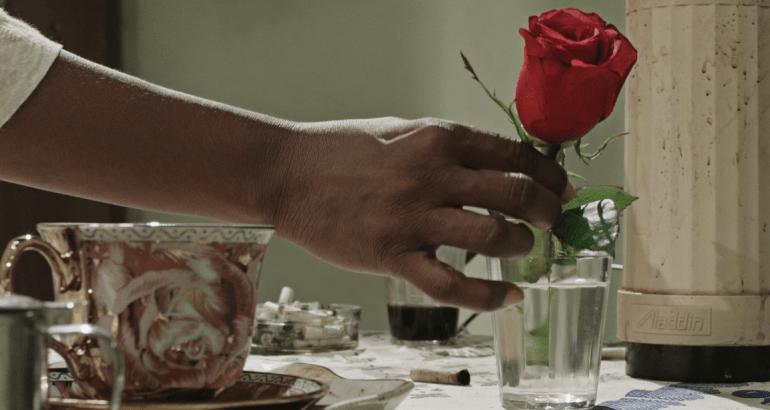 Café com canela (Ary Rosa e Glenda Nicácio, 2016)