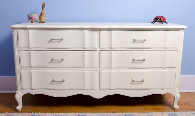 Muebles lacados en blanco xito total revista muebles for Muebles juveniles lacados en blanco