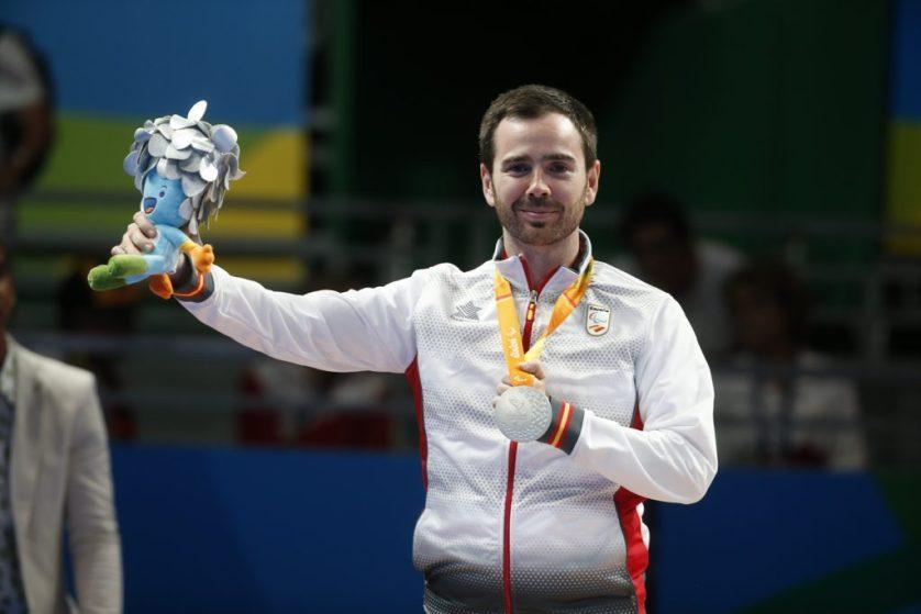 Alvaro Varela medalla de plata en la categoria clase 6 Masculino individual