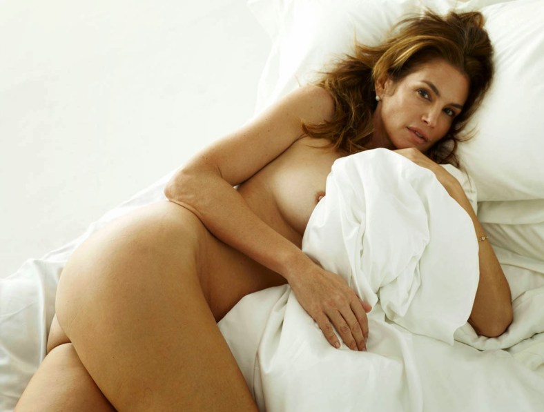 Cindy-Crawford-Naked-on-a-Bed-W-Magazine-4