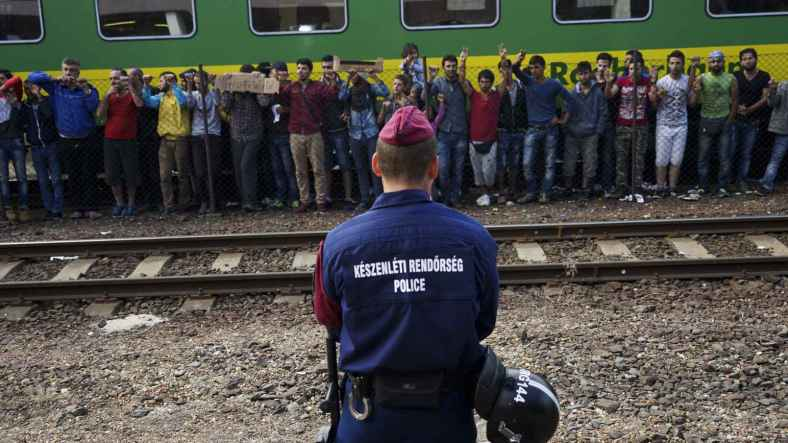 syrian_refugees_strike_at_the_platform_of_budapest_keleti_railway_station._refugee_crisis._budapest_hungary_central_europe_4_september_2015._3