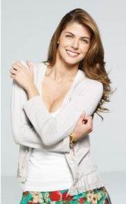 Stephanie Cayo protagonista la hipocondriaca