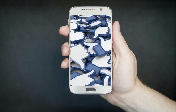 facebook-like-social-media-smart