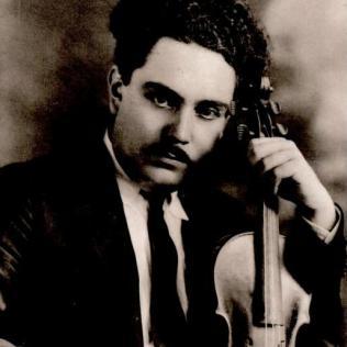 Silvestre Revueltas, vía Wikimedia Commons