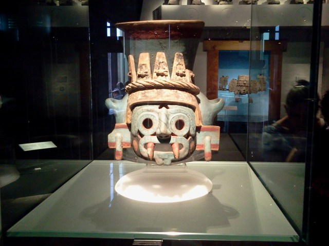 Fig. 1 Tlaloc_Vasija