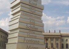 monumento-libro