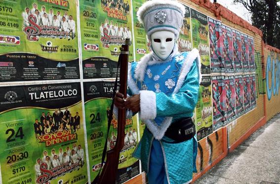 Carnaval del Peñón de los Baños, Ciudad de México. Foto © Angeloux.