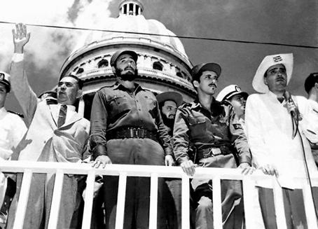 Lázaro Cárdenas con Fidel Castro en La Habana, en solidaridad con la Revolución cubana, 1959.