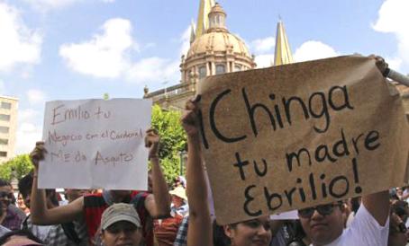 La despedida a González Márquez, una megamentada popular el 22 de junio de 2012. Foto © Cuartoscuro.
