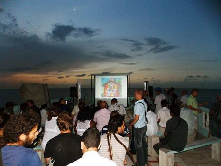Cineclub en la terraza.