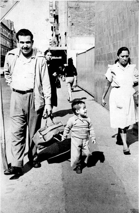 Mi papá y yo en las calles del centro de la Ciudad de México.