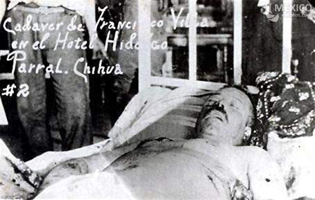 Velorio de Pancho Villa en el hotel Hidalgo.