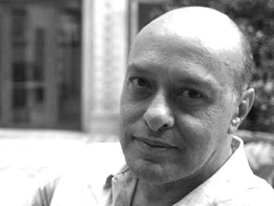 El escritor y periodista Carlos Chimal. Foto © Sara Escobar.