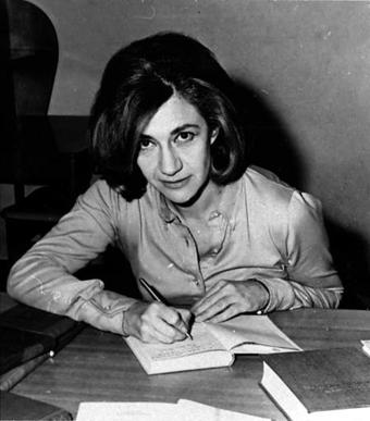 La novelista en su juventud.