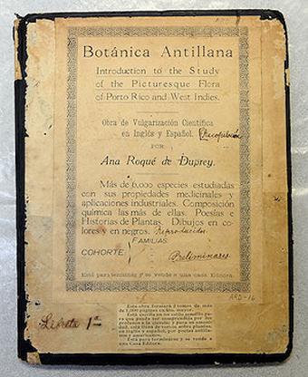 Portada de la primera libreta de la Botánica antillana, de Ana Roqué de Duprey. Foto por Juan Costa | Centro de Periodismo Investigativo.