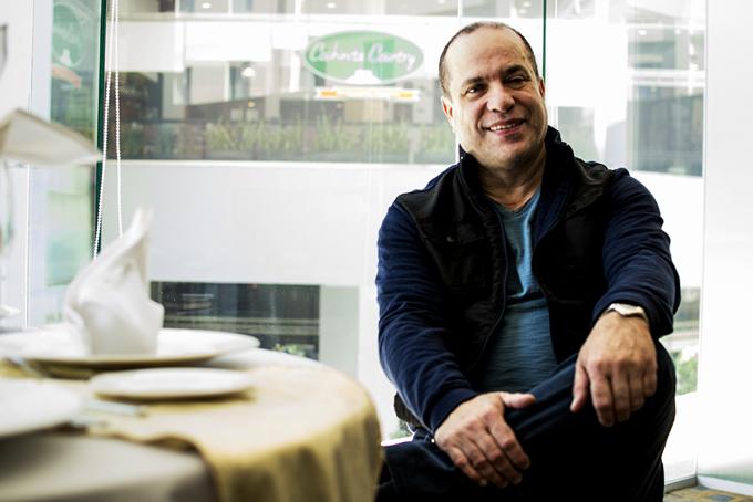 Óscar Hernández.