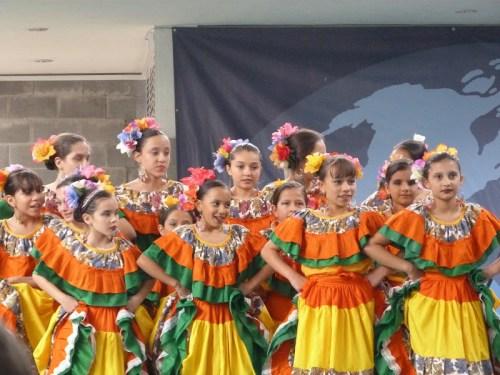 CCEE Reyes Católicos. Grupo de baile