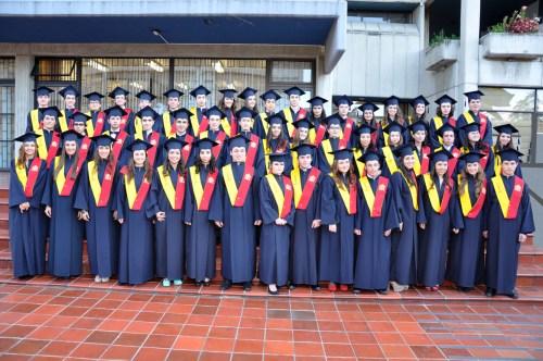 Promoción 2013 de alumnado que obtiene el Bachillerato español y colombiano