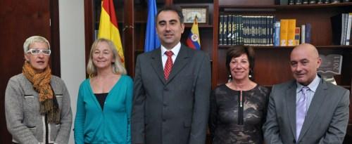 De izquierda a derecha, Teresa de Jesús Merino (Secretaria), Julieta Mrocek (Vicerrectora), Luis Fernández (Rector), Cecilia Castejón (Jefa de Estudios de Educación Infantil y Primaria) y Jose María Fernández (Jefe de Estudios de Eduacción Secundaria)