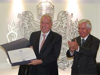 CCEE Reyes Catòlicos. Jose Manuel Garcia Margallo en Colombia