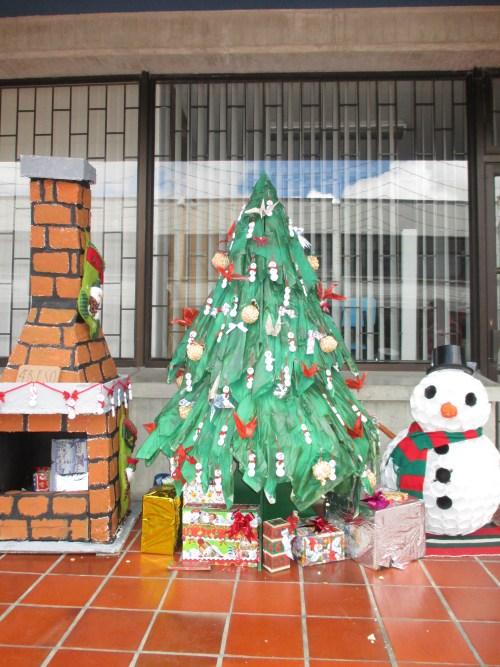 Árbol de Navidad ganador de Educaciòn Secundaria (4º ESO B)