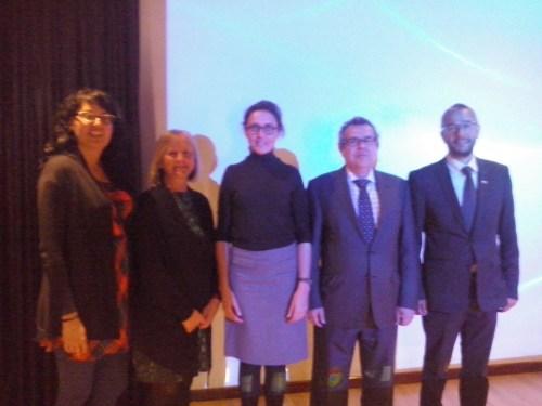 Comenzando por la derecha: Raquel Monge(Francés),  Julieta Mrocek (Vicerectora) , Ana Sabater, Manuel Lucena (Agregado de Educación) y Julio M. Pérez (Dibujo)