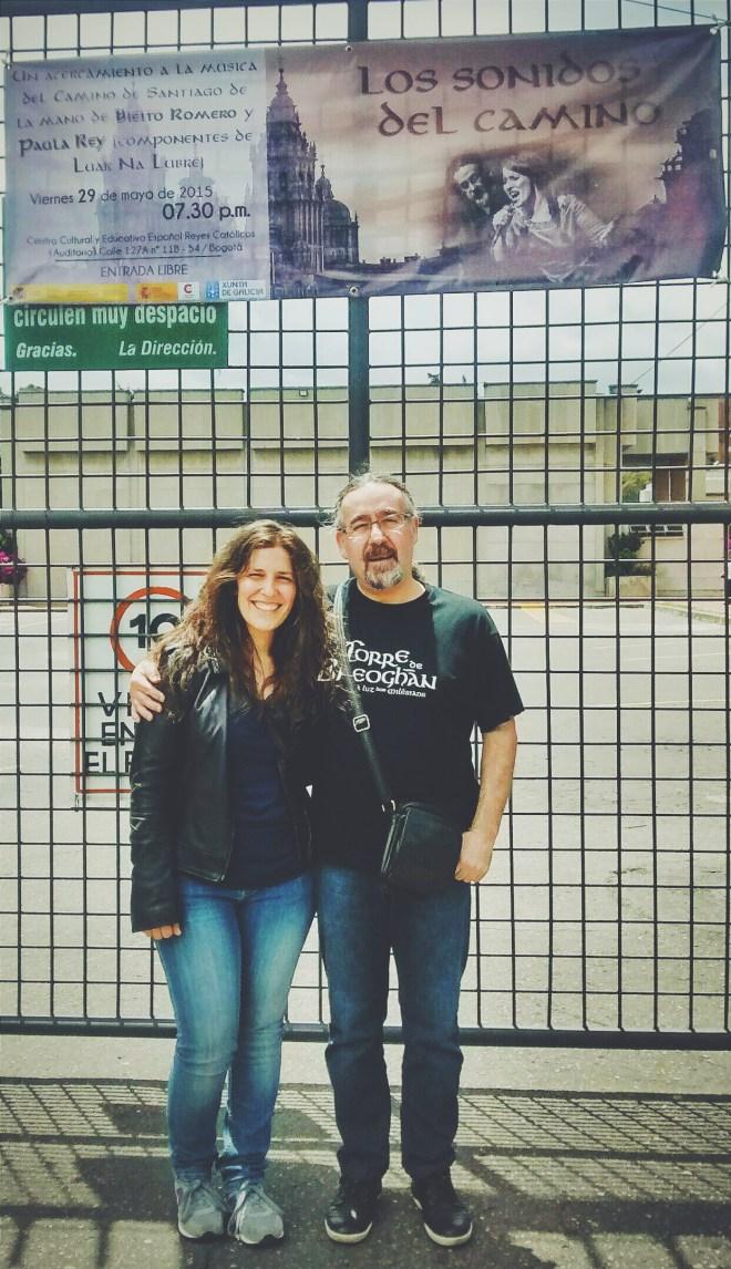 Paula Rey y Bieito Romero, miembros de Luar na Lubre ayer a su llegada al Centro Cultural Reyes Católicos de la Embajada de España