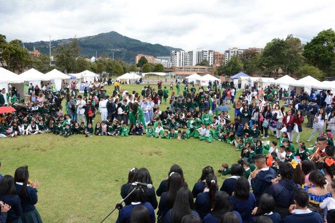 En el Inststituto Pedagógico Nacional y el Colegio Usaquén, se presentaron las Ponencias de los Colegios participantes