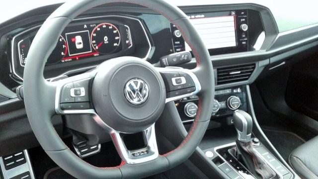 Volkswagen Jetta GLI_timon