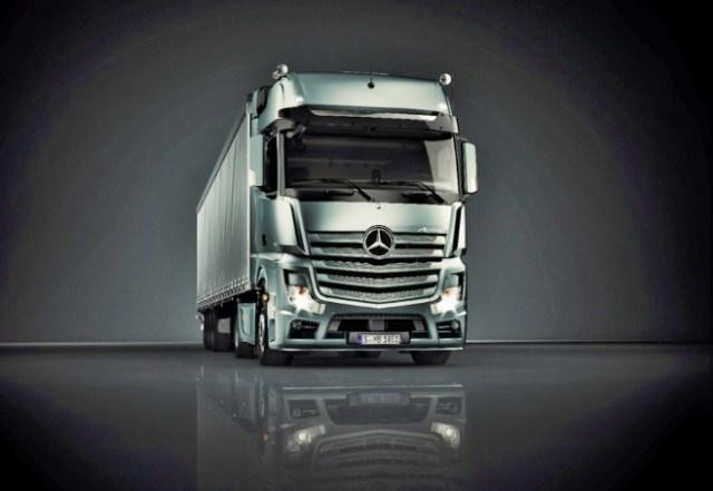 Plataforma Actros Mercedes_Benz_2.jpg
