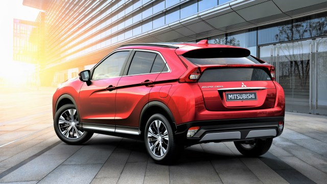 Mitsubishi Eclise Cross_3.jpg