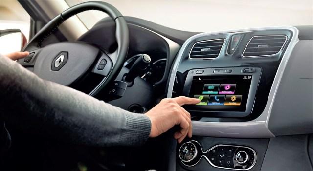 Low_Renault Logan_interior 1.jpg