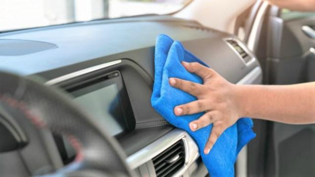 Seguro_limpiar-interiores-autos