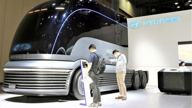 (Photo 2) HMC at H2 Mobility + Energy Show