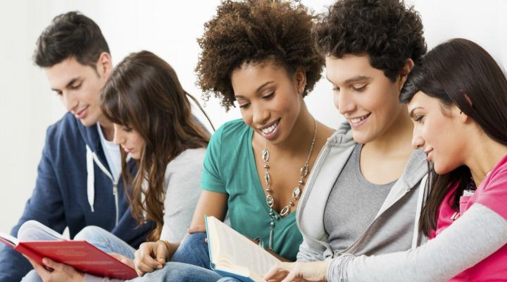 Seguro educacional vira proteção para estudantes não perderem bolsas de estudo