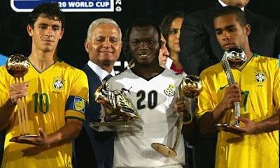 De melhor jogador do Mundial sub-20, em 2009, para o futebol tailandês, atualmente.