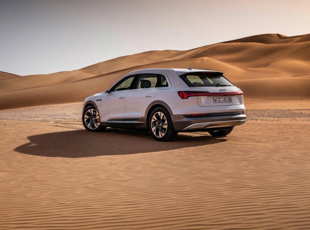 Audi-e-tron-2020-traseira