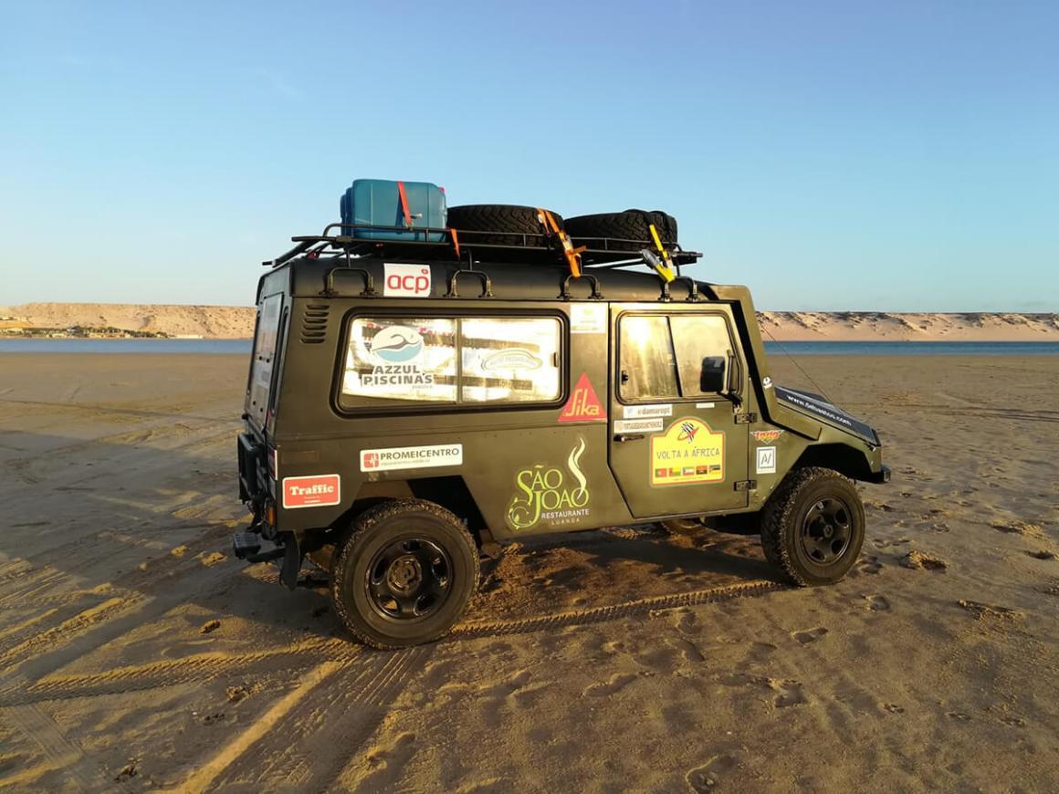 Nas areia da praia, em Dakhla