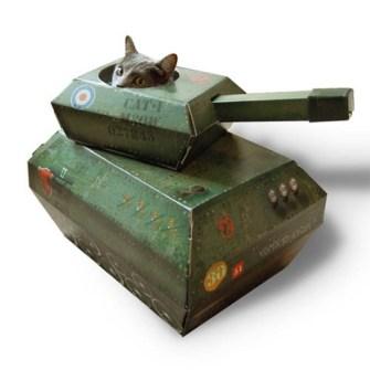 Caja de juegos para Gatos modelo tanque