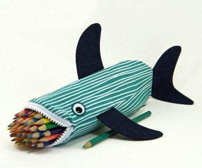 Estuche con forma de tiburón