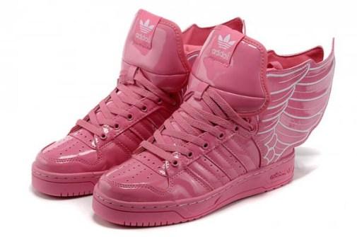 Jeremy Scott - Adidas con Alas en charol rosa