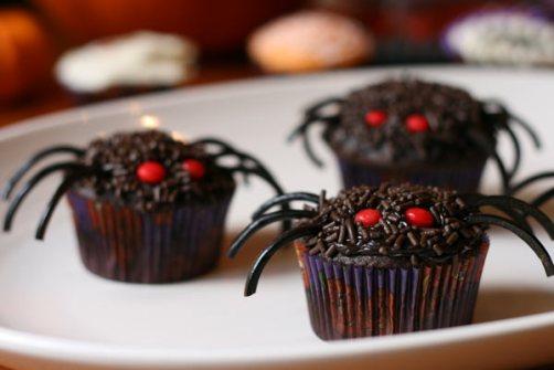 Cupcakes para Halloween con arañas