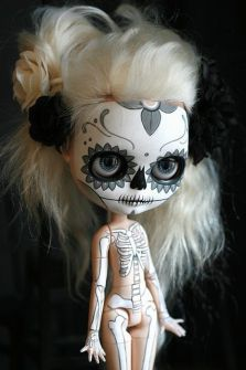 Blythe con maquillaje calavera mexicana
