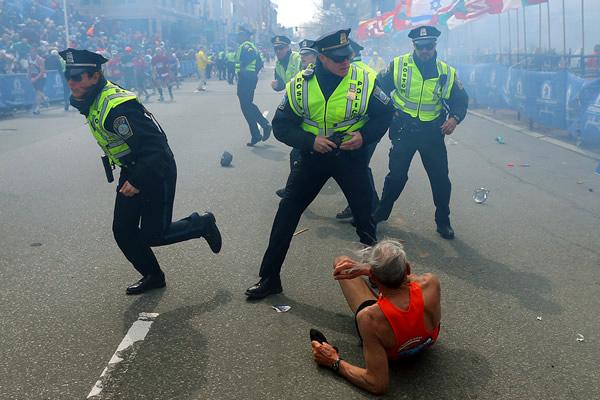 Las Imágenes más Sobrecogedoras de 2013 - Atentado de la Maratón de Bostón