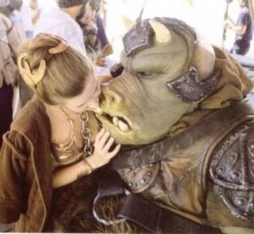 Fotos inéditas de Star Wars - La Princesa Leia bromeando tras el rodaje