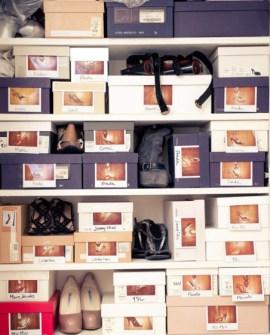 Trucos para Organizar Fácil tus Cosas - Ponerle a las cajas de zapatos una foto con los mismos