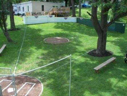 Los Mejores Patios Traseros - Mini Campo de Baseball