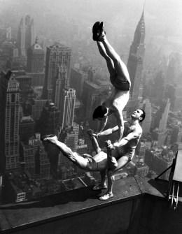 Fotografías Vintage que ya no se volverán a Repetir - Trapecistas en el Empire State Building