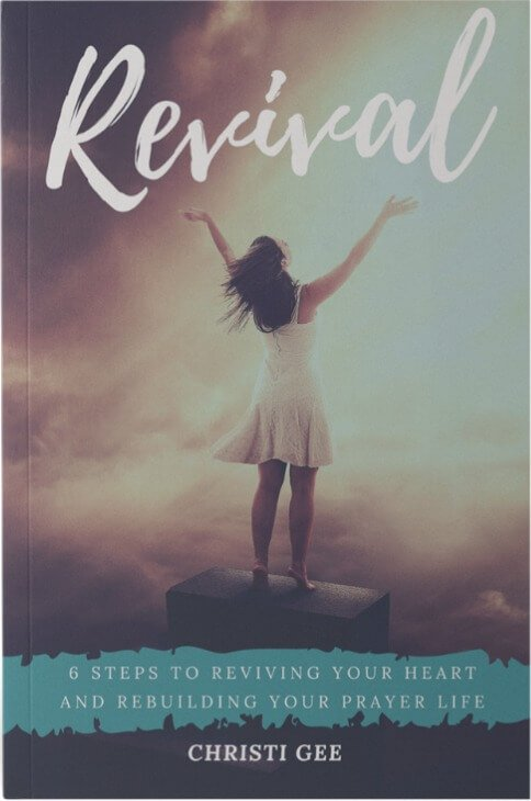 Revival: 6 Steps to Revive Your Heart and Rebuild Your Prayer Life. | Click to download your free sample chapter! If you need revival in your prayer life, this prayer journey is for YOU!