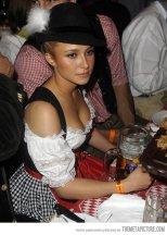 Hayden-Panettiere-beer-girl-cosplay